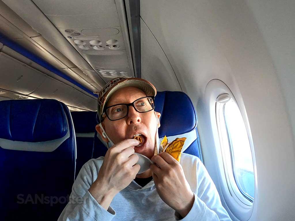 SANspotter eating airline food