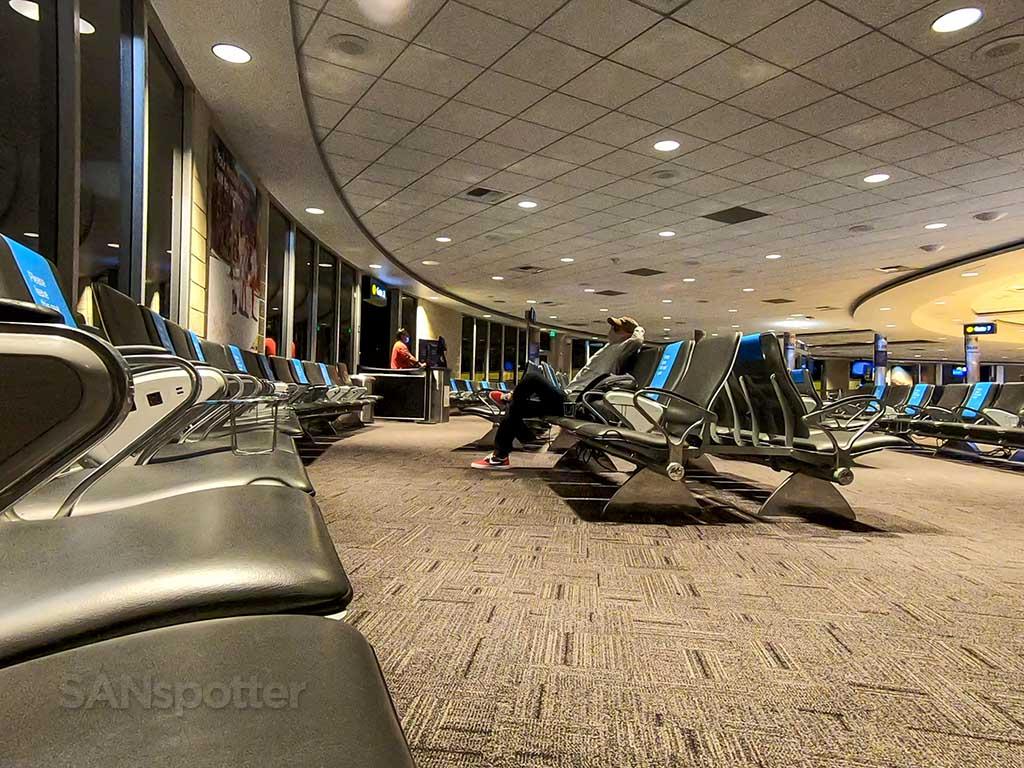 SANspotter yawn San Diego Airport terminal 1