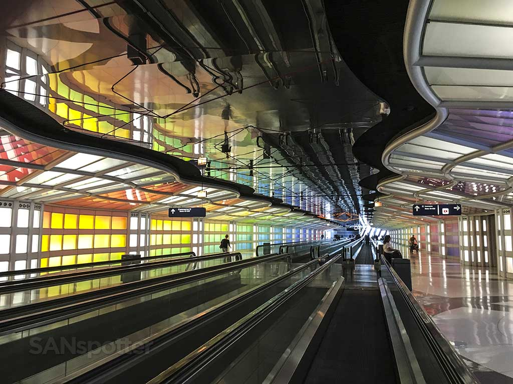 ORD terminal tunnel concorse B and C