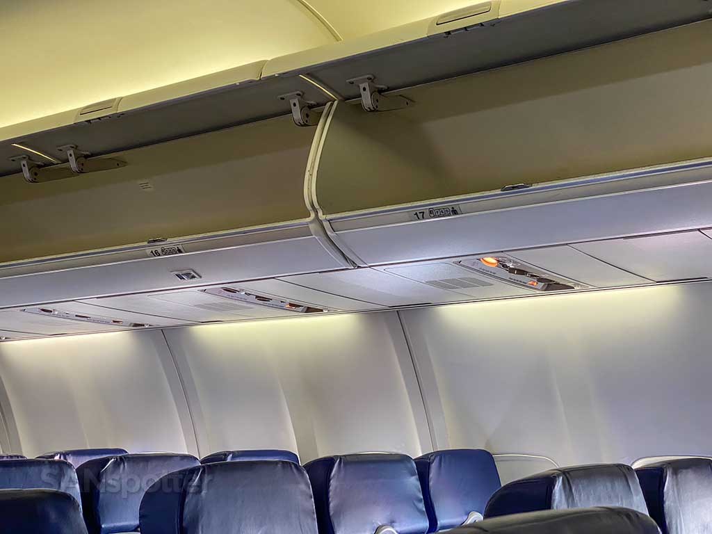 Southwest Airlines 737-700 overhead bins