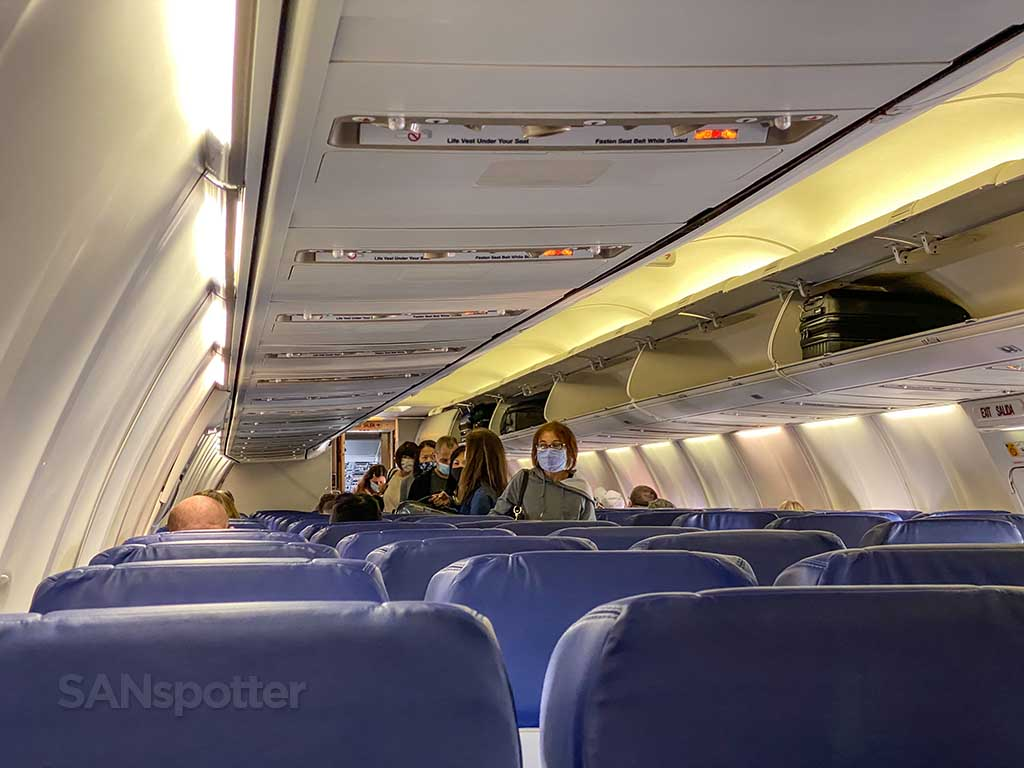 Southwest Airlines 737-700 review