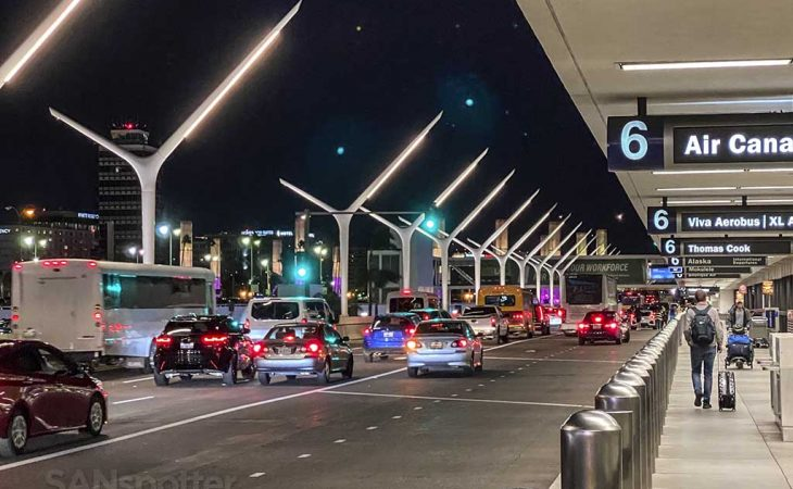 How long does it take to get through customs at LAX