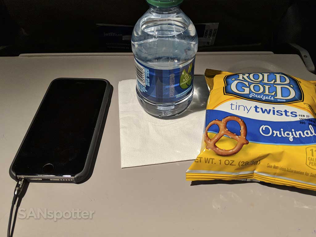 JetBlue complimentary snack