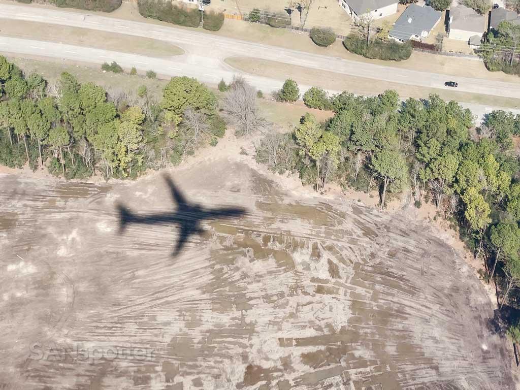 737 MAX 9 shadow
