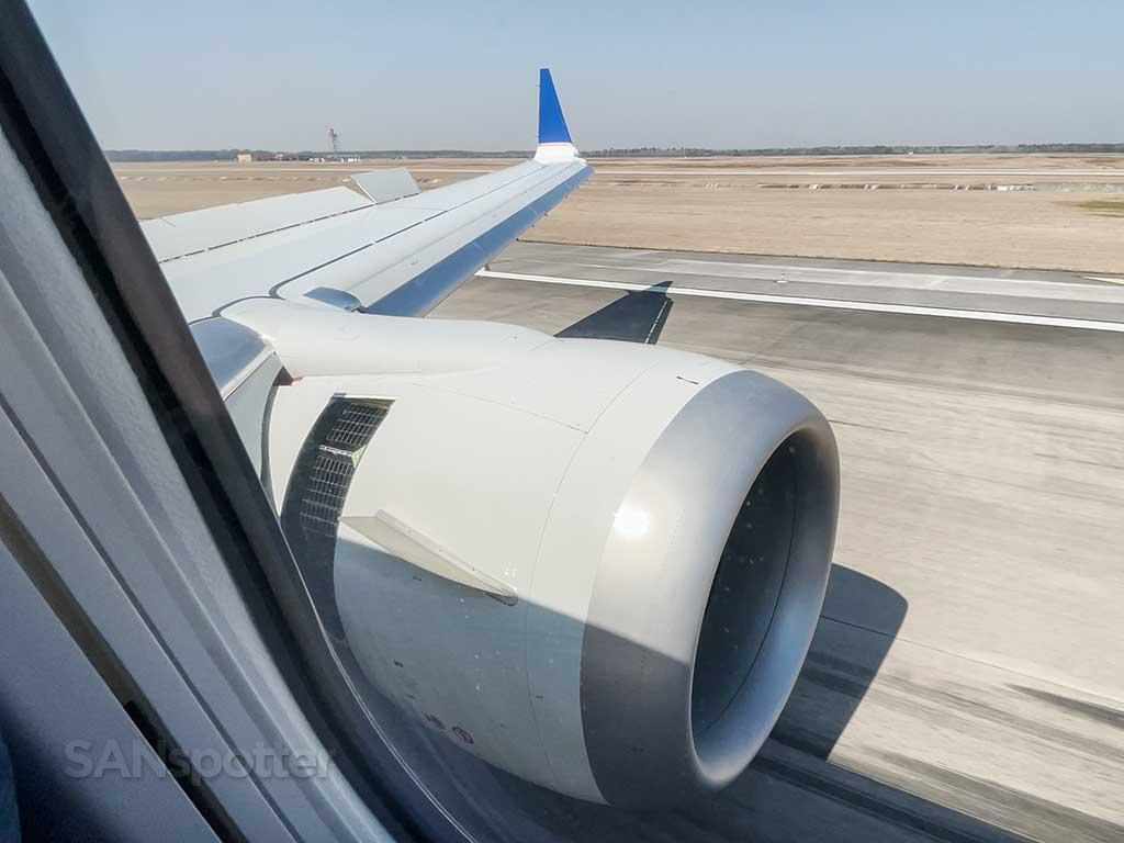 Runway 8L IAH