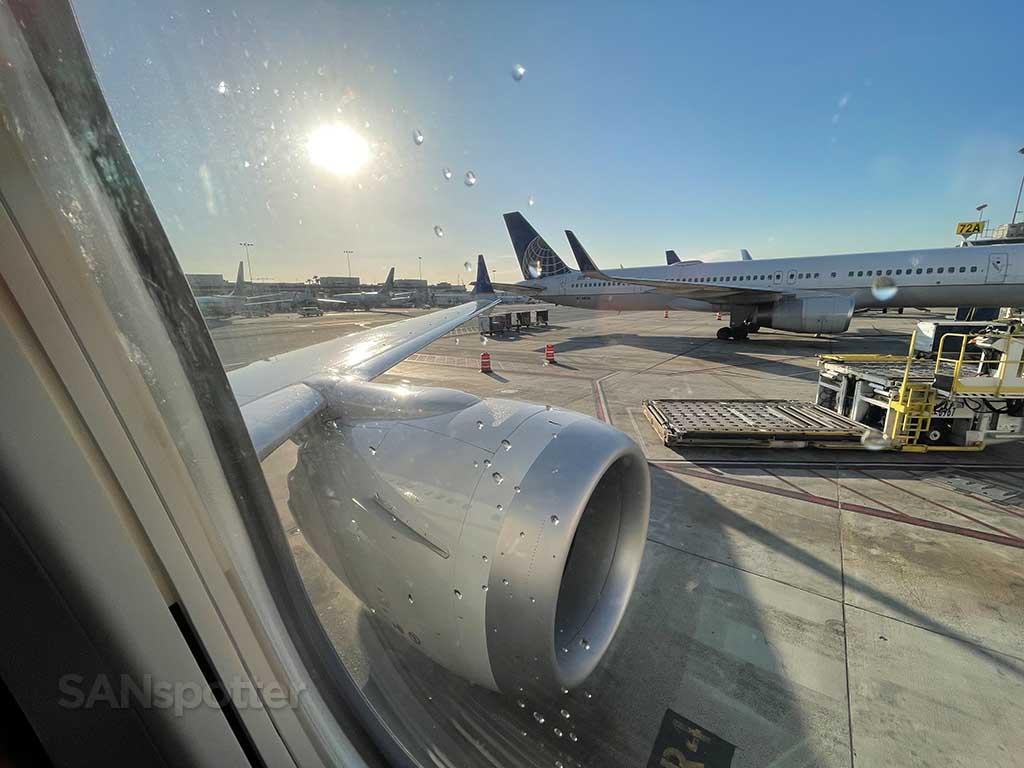 737-9 MAX engine