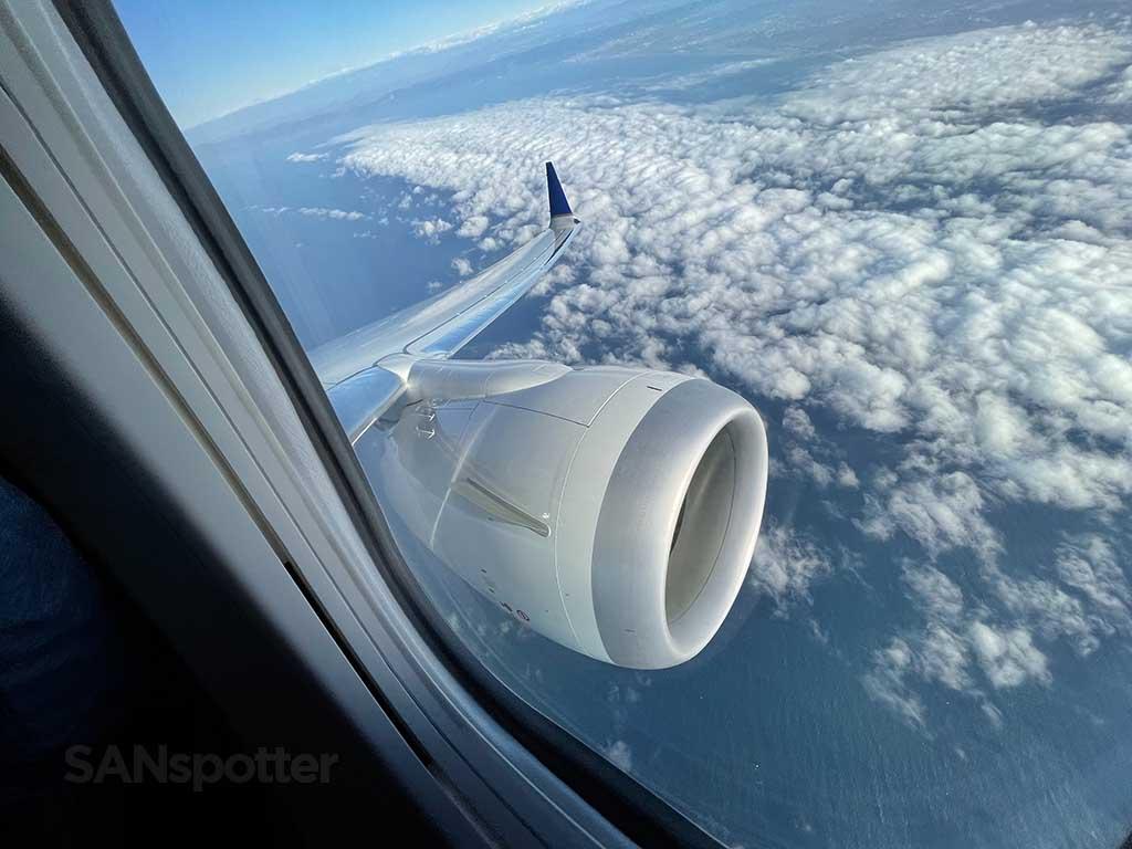 737-9 MAX takeoff