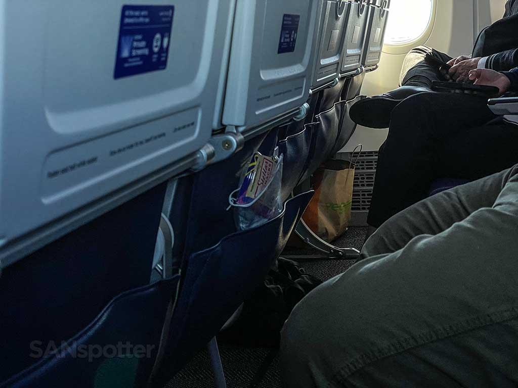 United Airlines 737-9 MAX interior