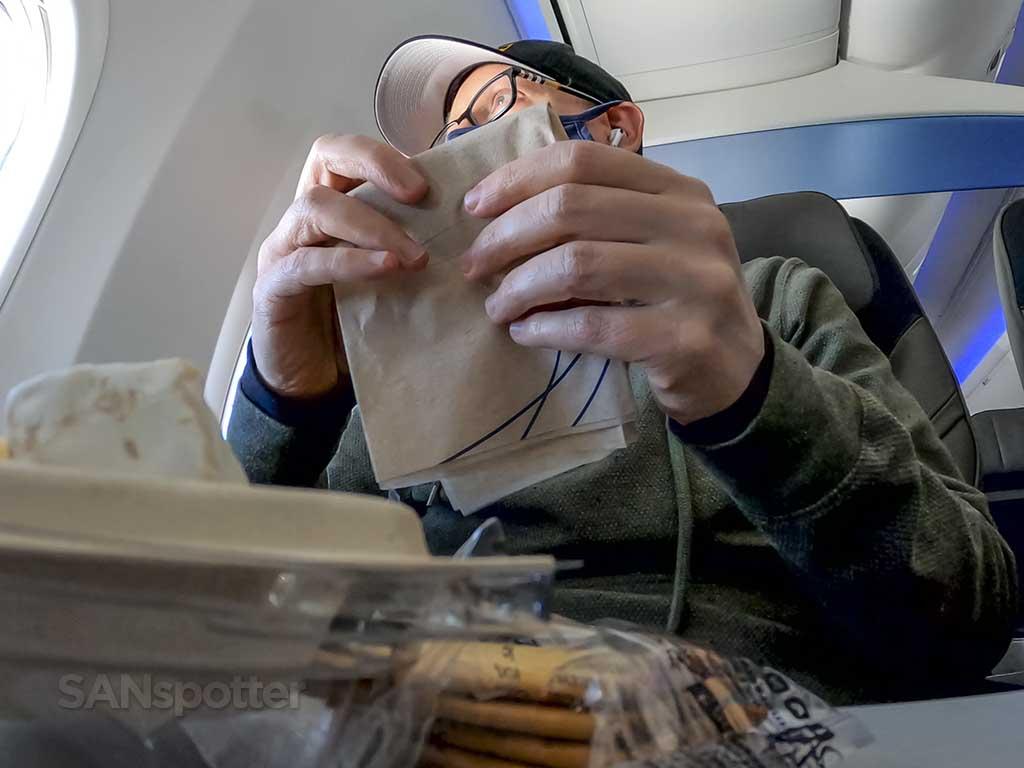 SANspotter airplane meal