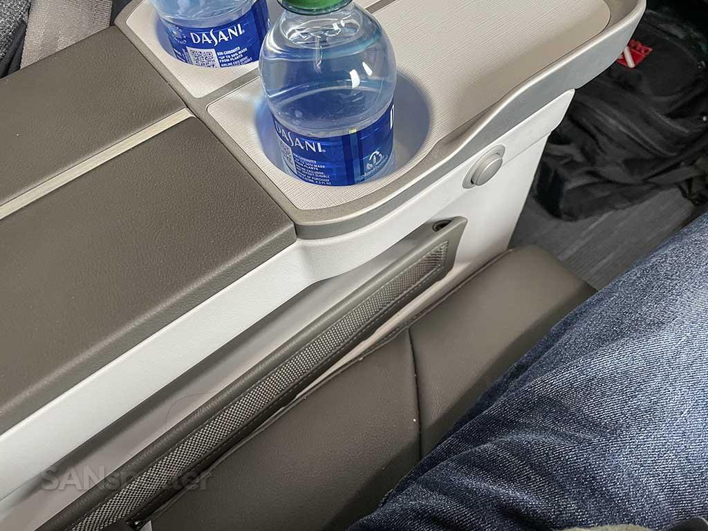 Alaska Airlines 737 MAX features