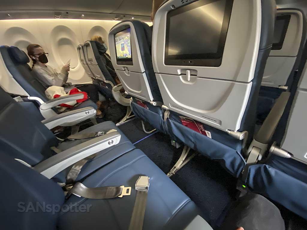 Delta Air Lines A220-300 economy seats