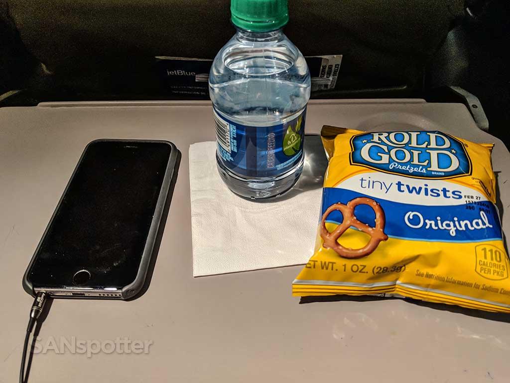 JetBlue free snacks