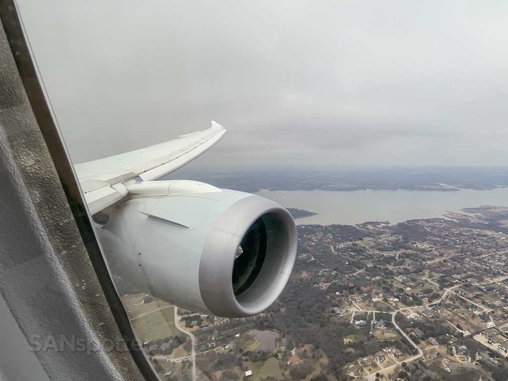 787 arrival into DFW