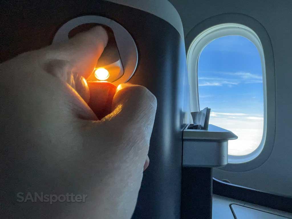 American 787-9 business class seat reading light