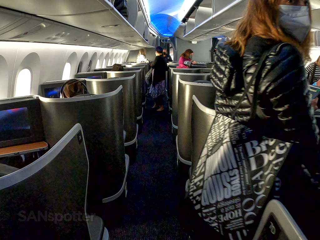American Airlines 787-9 business class cabin