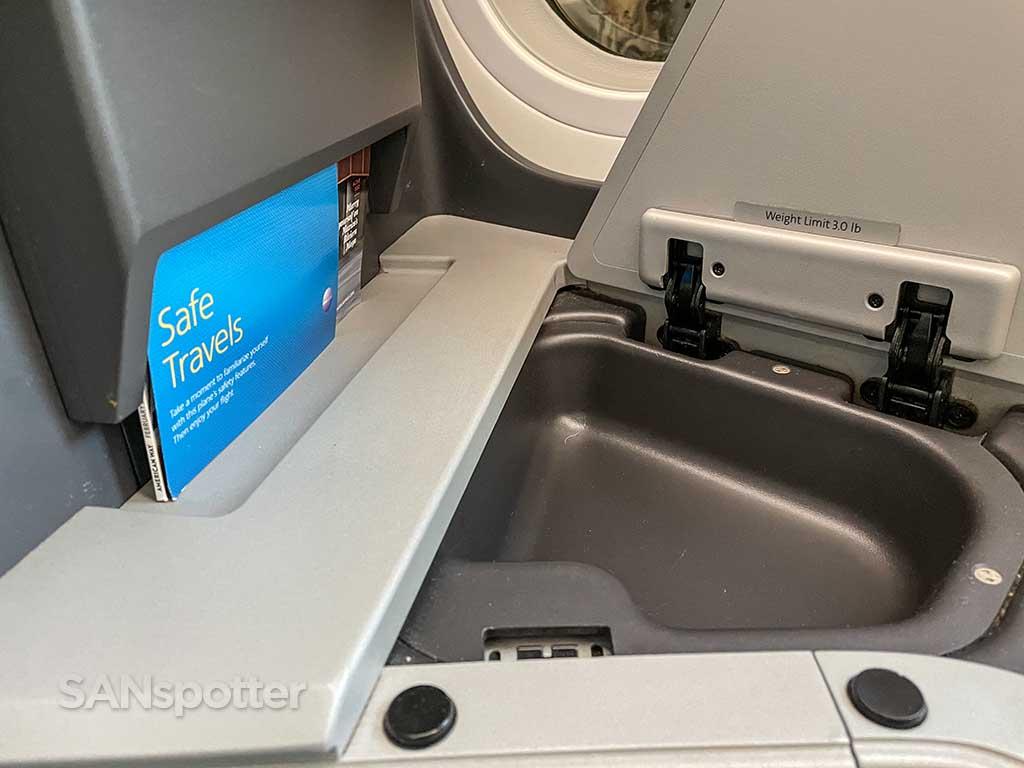 AA 787-9 business class seat storage