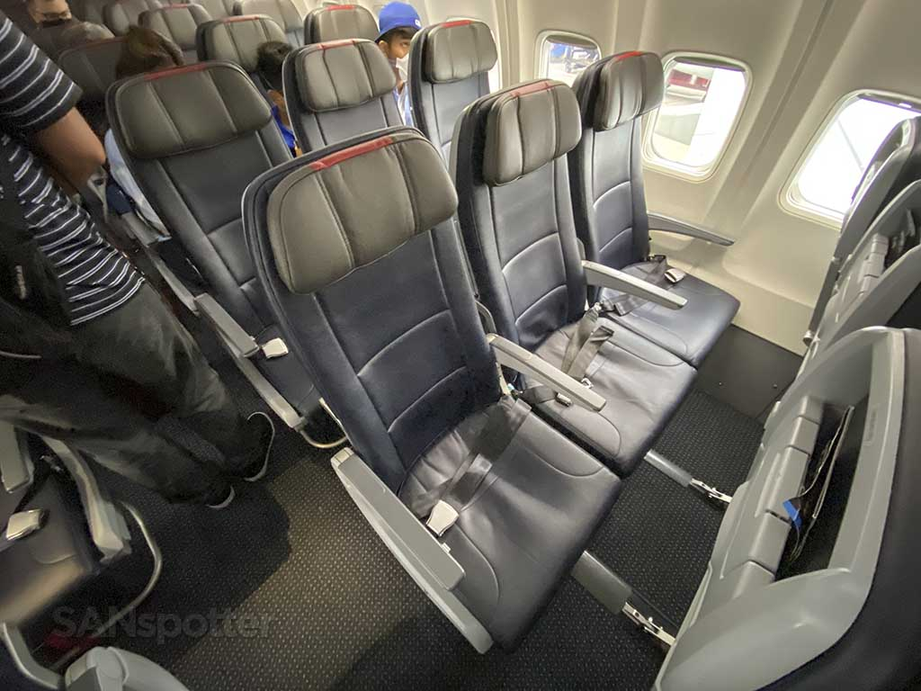 American Airlines 737 economy class seat