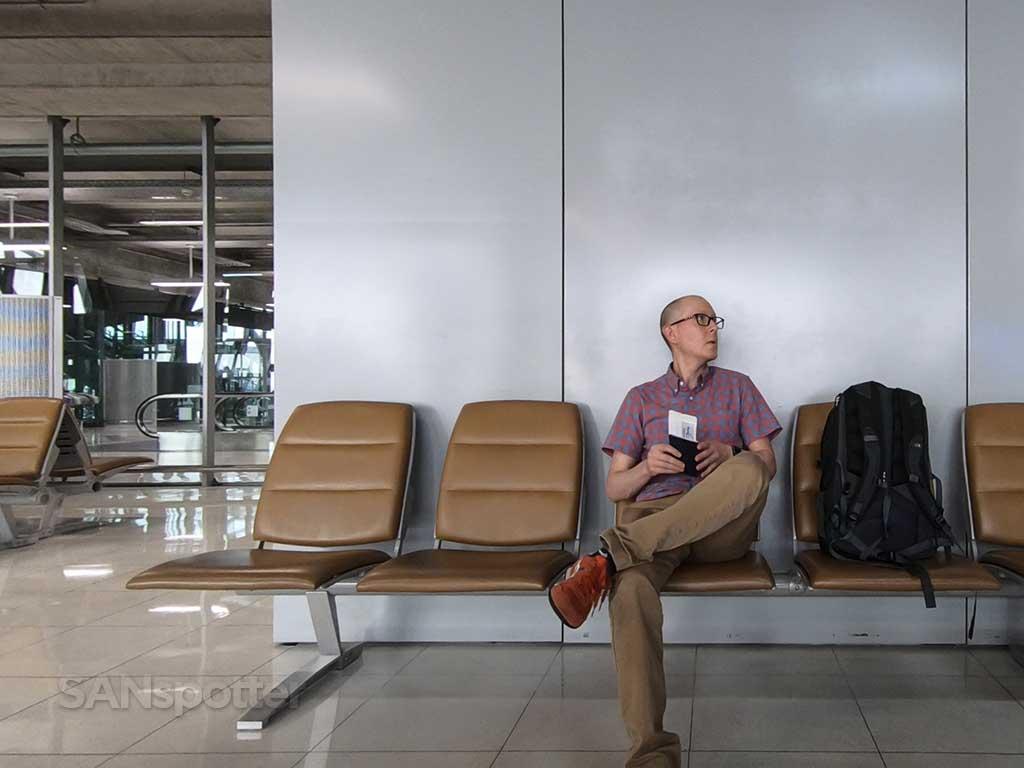 SANspotter selfie Bangkok airport terminal