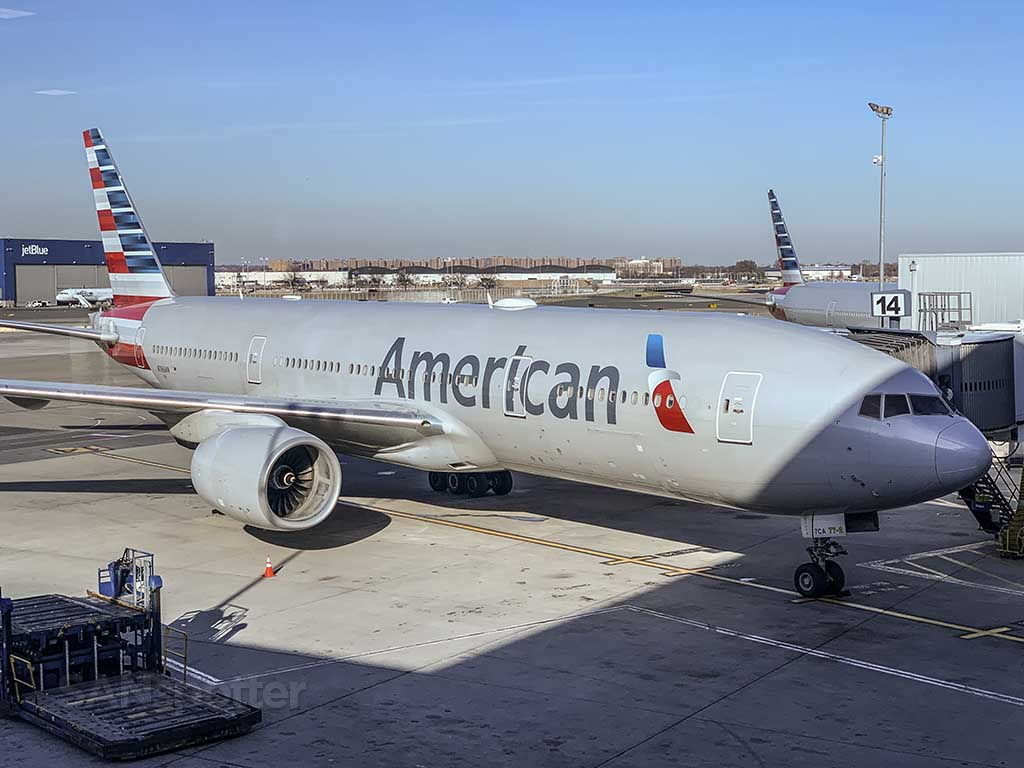 American Airlines 777-300/ER
