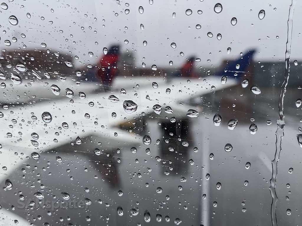 Rainy Salt Lake City airport delta terminal