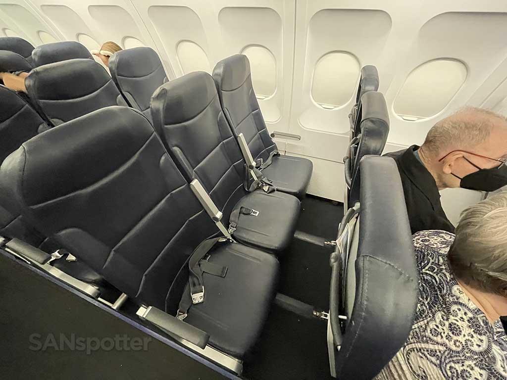 Allegiant Air Legroom + seats