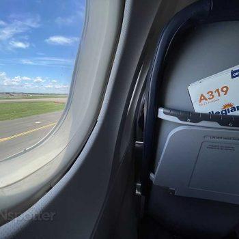 Allegiant Air A319 taxiing at SFB