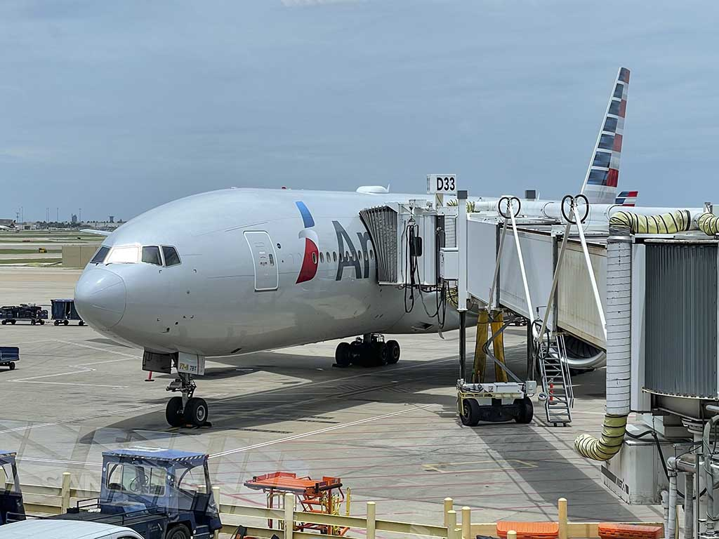 American Airlines 777-200 DFW