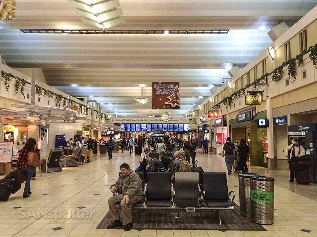MSP central concourse Terminal 1