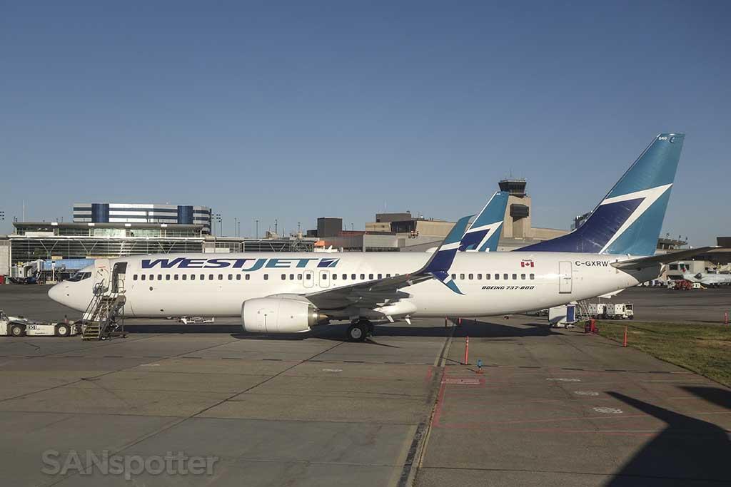 WestJet 737-800