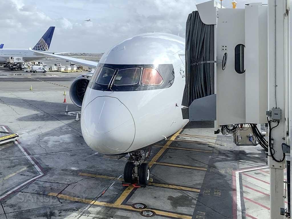 Air Canada 787 nose