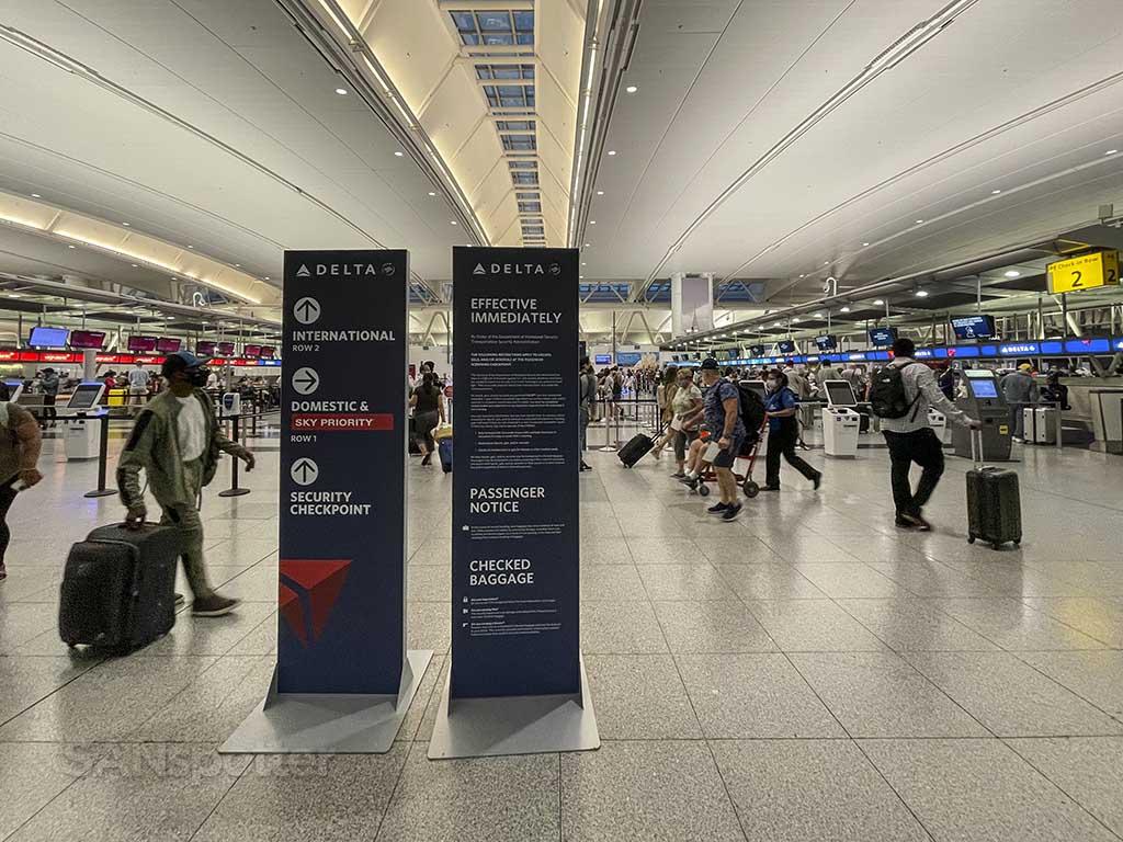 Terminal 4 JFK departures hall