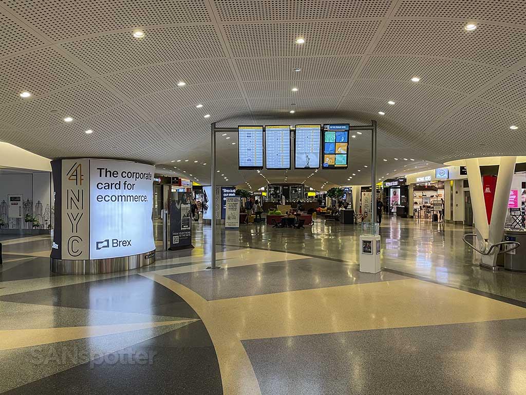 JFK terminal 4 shopping
