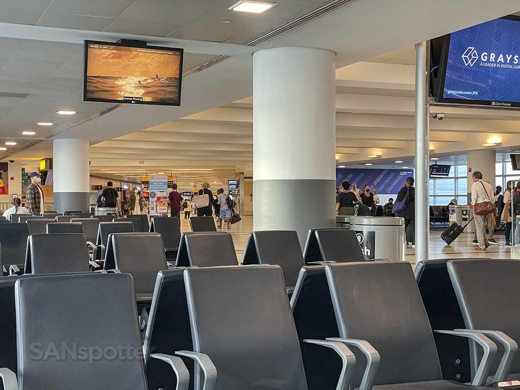 JFK airport terminal 4 seats