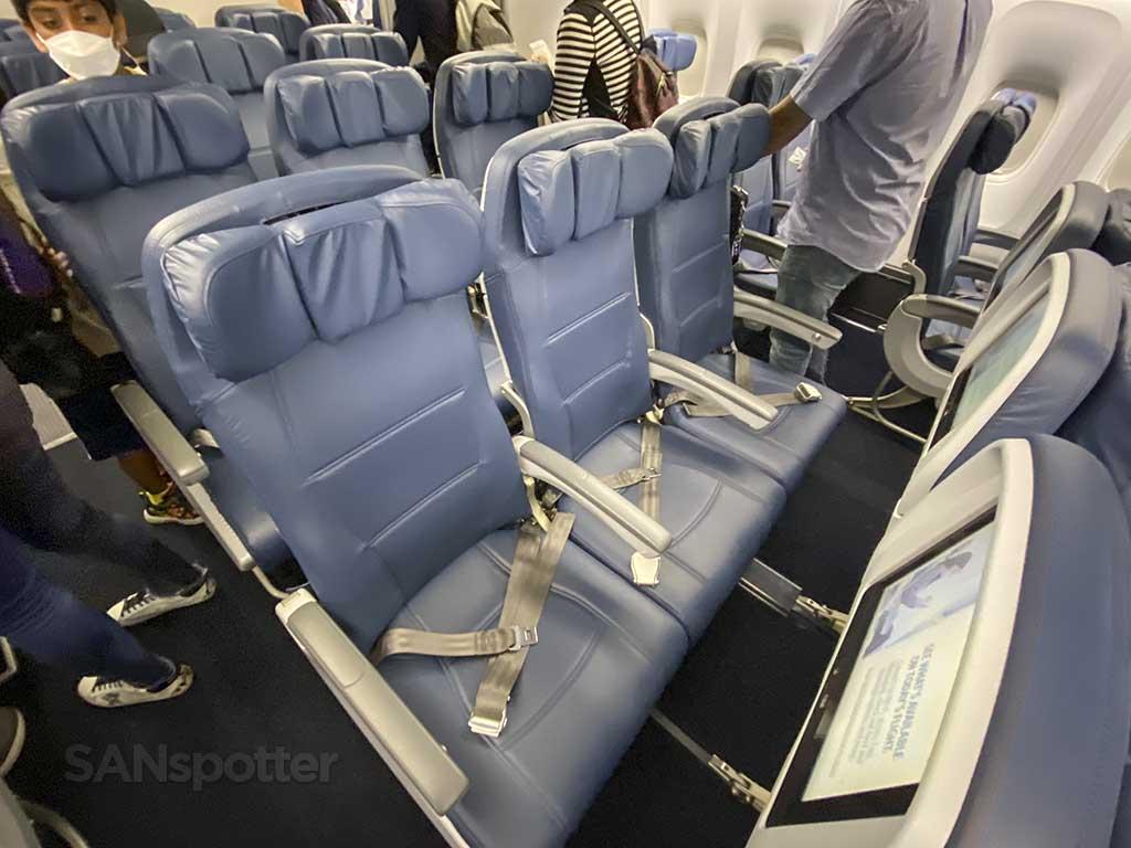 Delta 767-400 economy seats