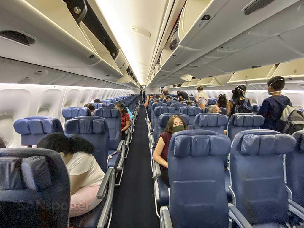 Delta 767-400 economy cabin