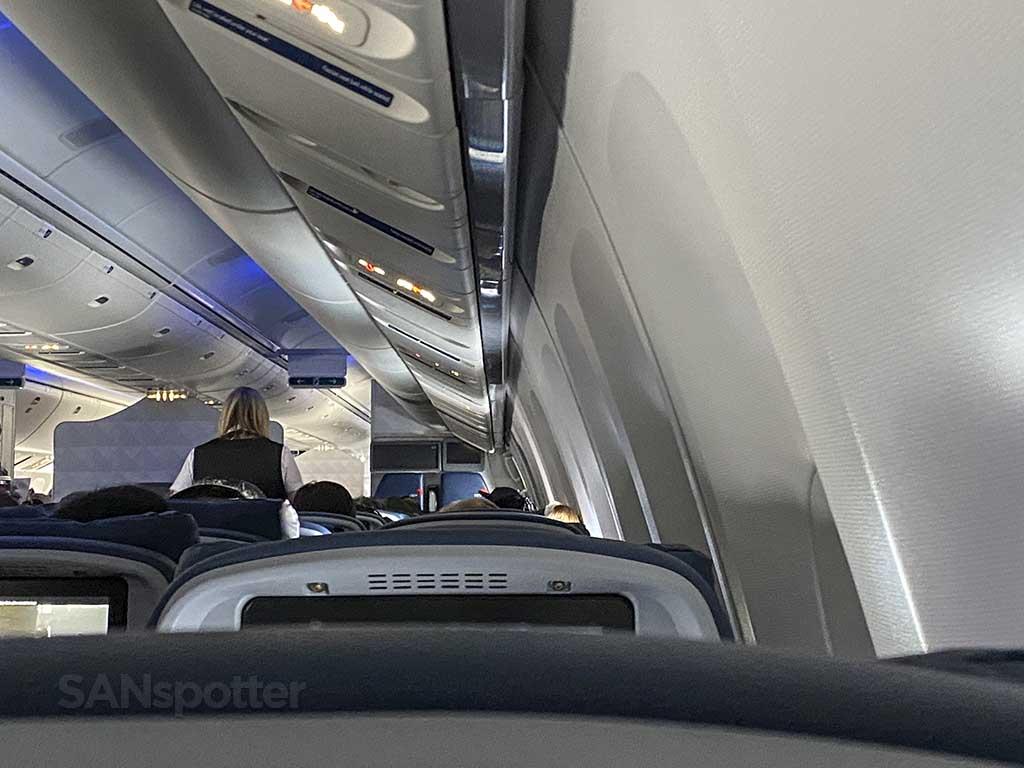 Delta snack service 767-400