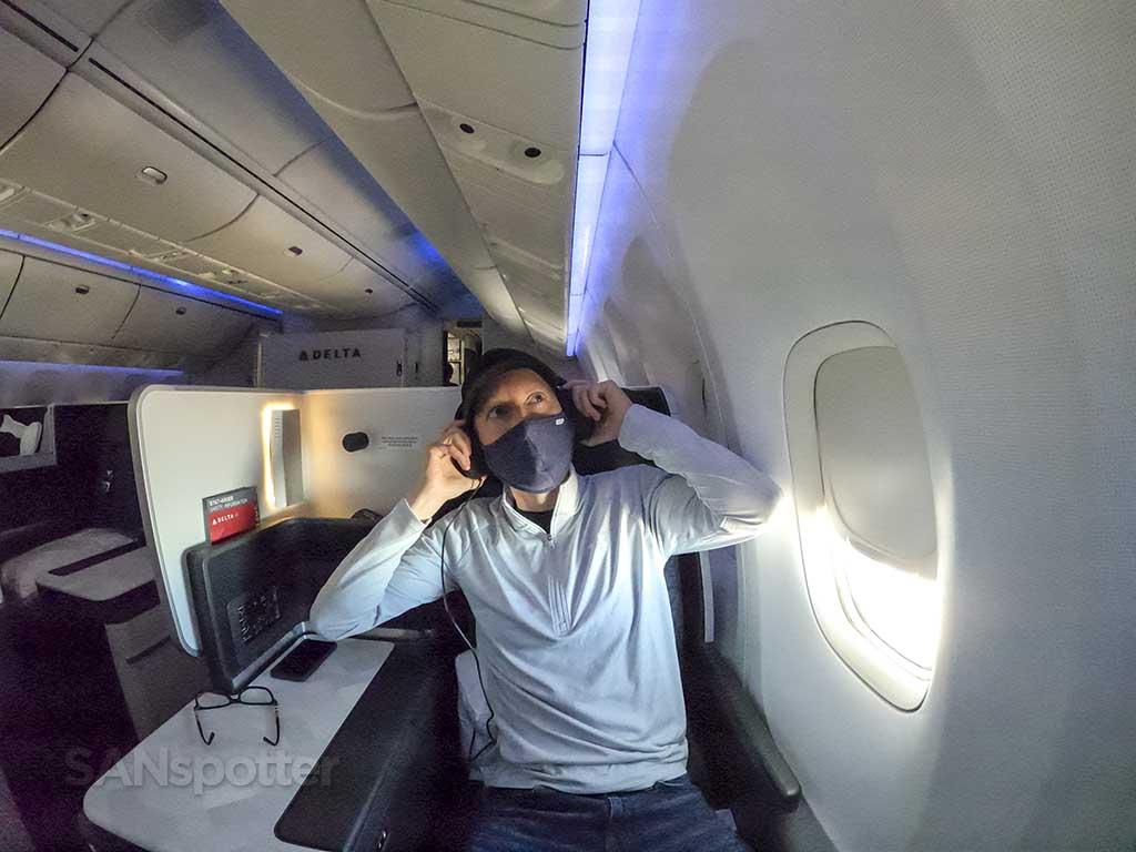 SANspotter selfie delta one headphones