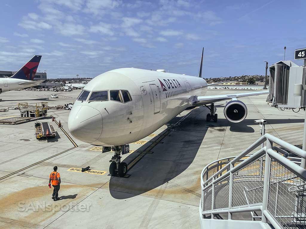 Delta 767-400 San Diego