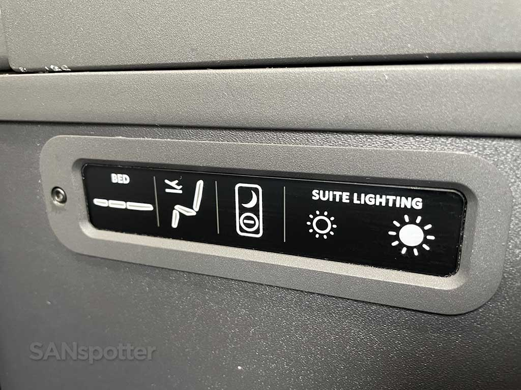 Delta one seat buttons