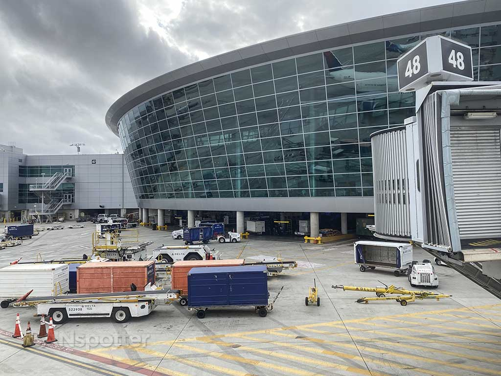 San Diego airport terminal building