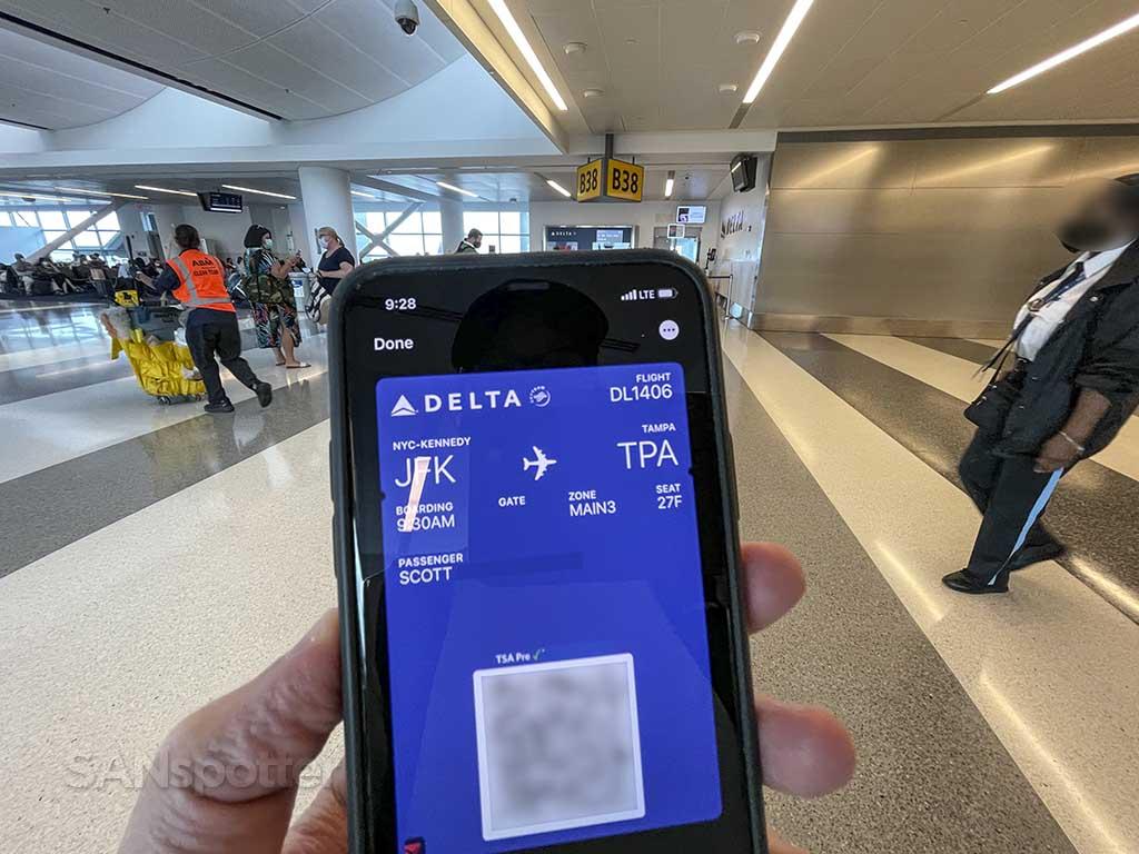 Delta economy mobile boarding pass