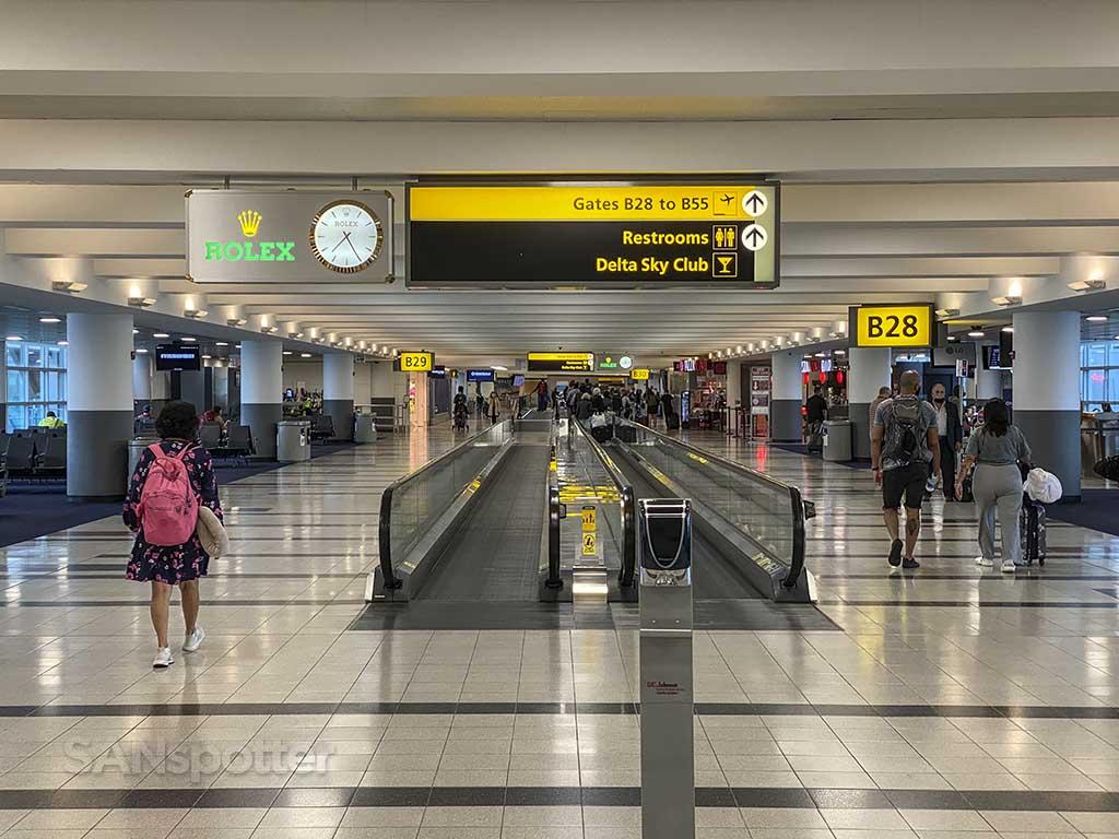 Terminal 4 moving walkway JFK airport