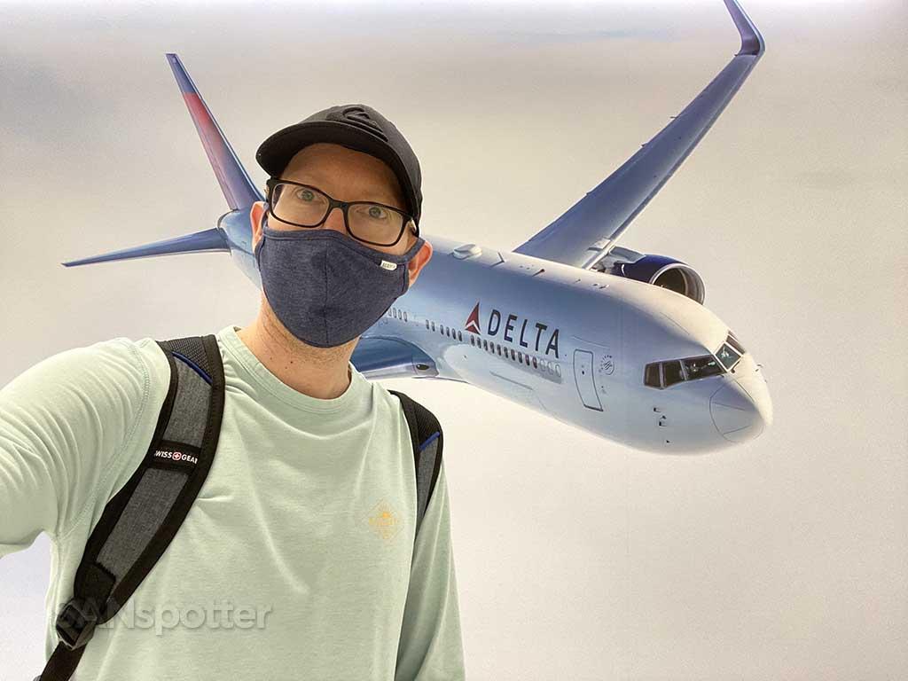 SANspotter selfie delta 767