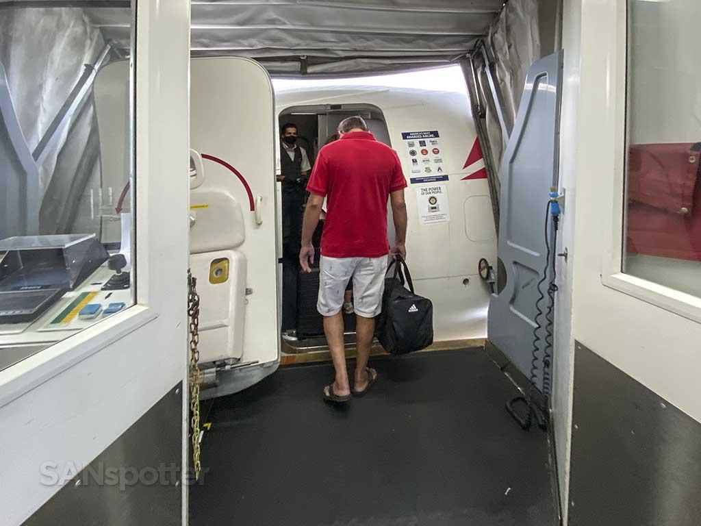 Delta 737-800 boarding door