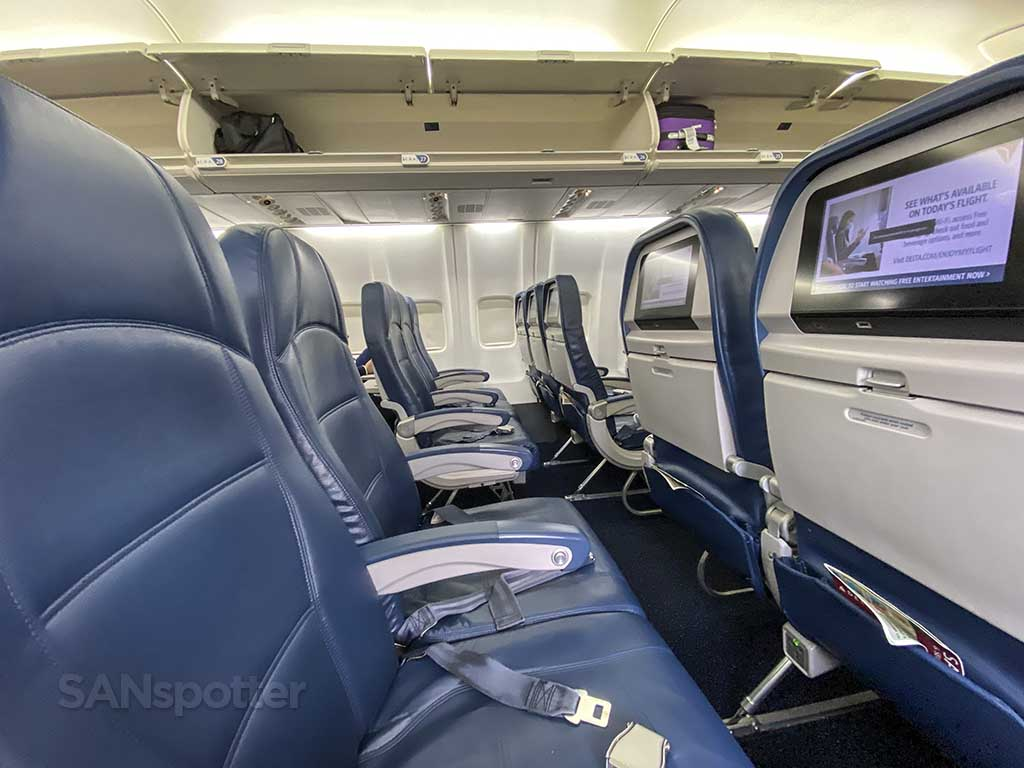 Delta 737-800 economy seats row 27