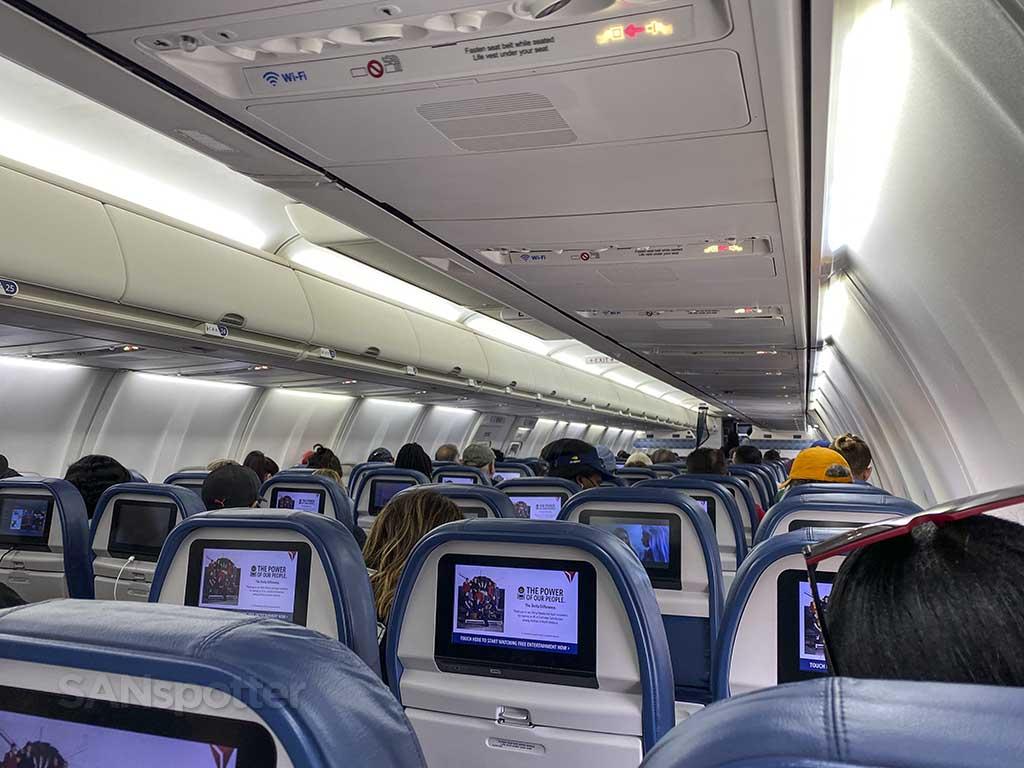 Delta 737-800 interior