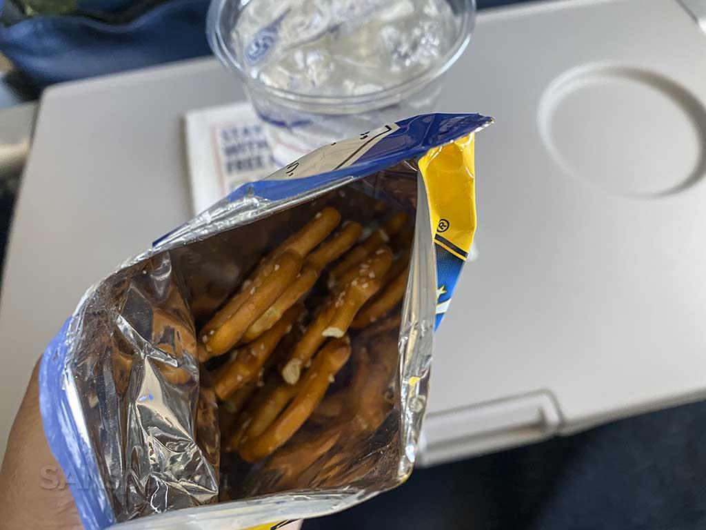 Delta air lines pretzels