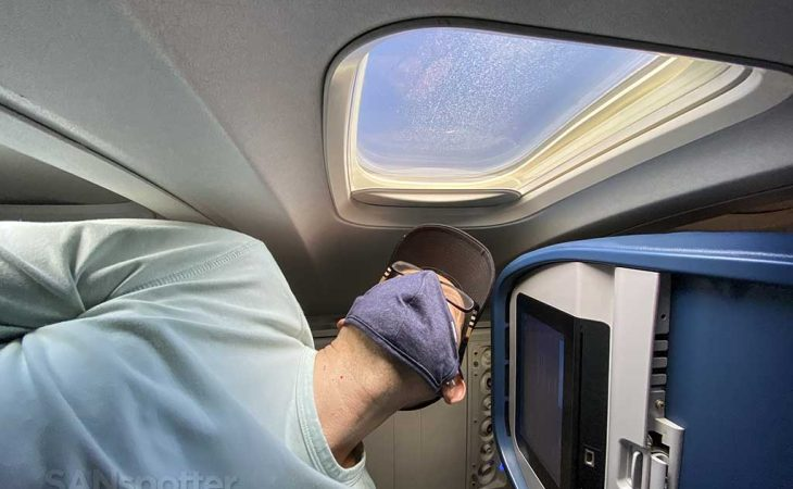 SANspotter looking out window delta 737-800 economy