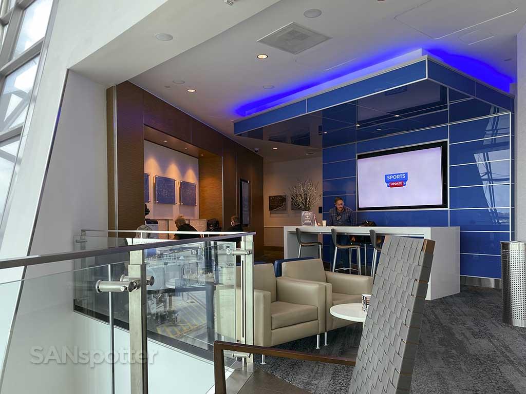 delta Sky Club business center San Diego airport