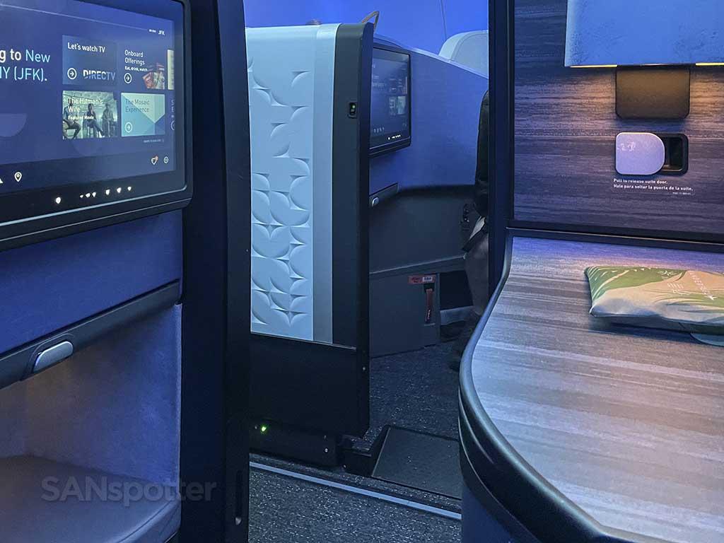 Jetblue mint suite privacy